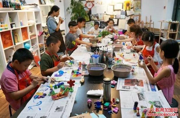 彩色斑马儿童美术——全国专业性的儿童美术培训